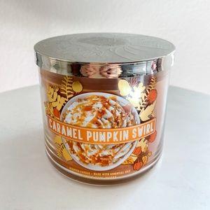 Bath and body works caramel pumpkin swirl candle